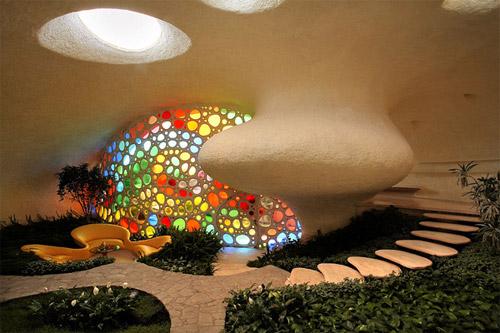 Фото дизайна гостиной дома-ракушки