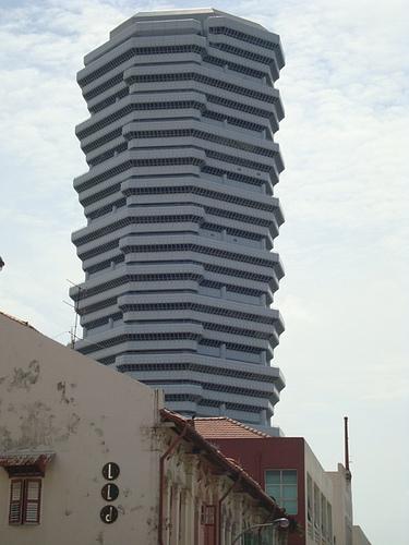 Стилизованная архитектура многоэтажки