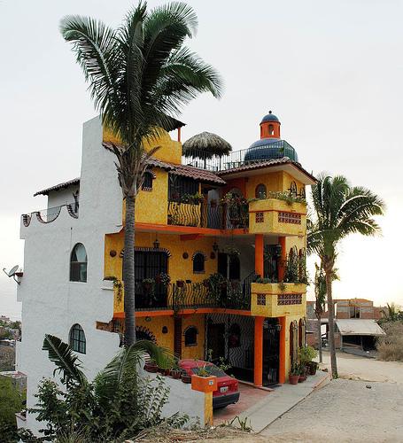 Красивая архитектура дома в Мексике