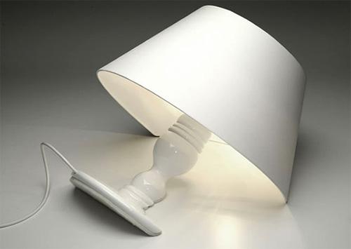 Лампа Титаник, тонущий светильник