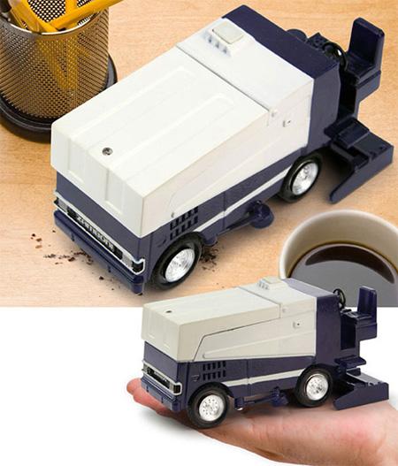 Пылесос для стола в виде модели автомобиля для убирания льда на катках
