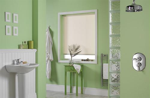 Однотонные рулонные шторы для ванной