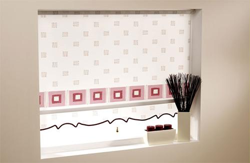 Шикарные рулонные шторы с красивым квадратным узором