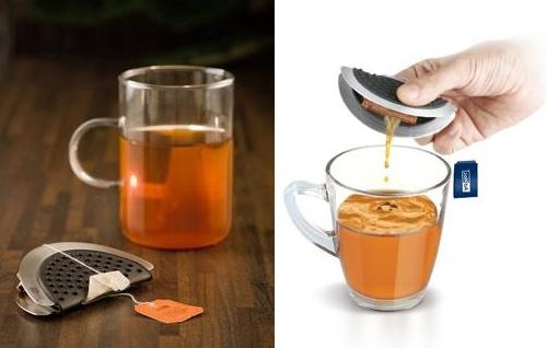 Оригинальный вычавливатель для чайных пакетиков