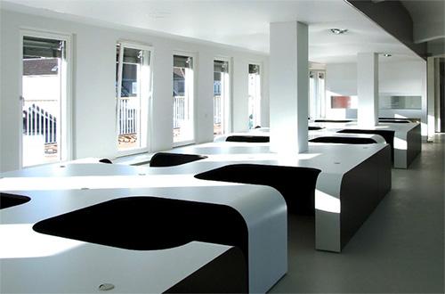 Оригинальный дизайн офиса Syzygy agency