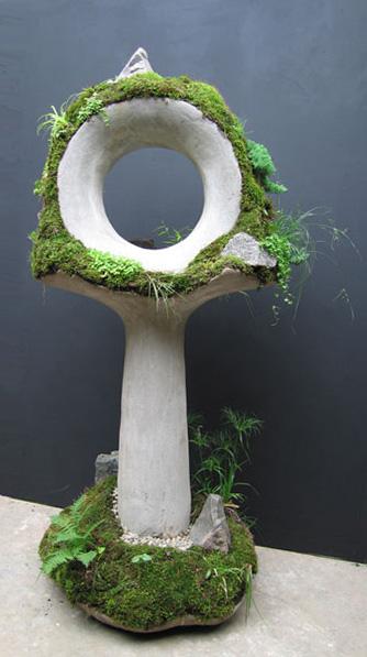 Тотем - скульптура из бетона для дачного участка