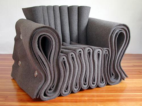 Кресло из войлока
