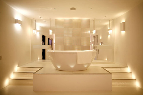 Хорошее освещение ванной комнаты