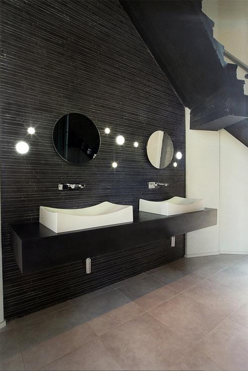Ванная комната занимает целый этаж