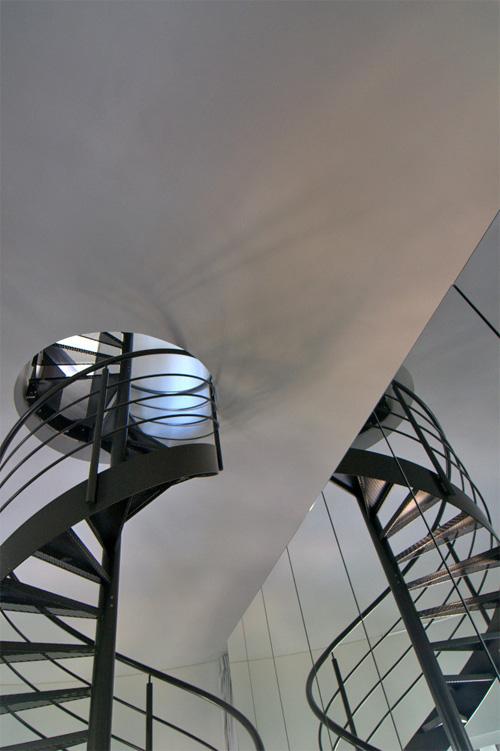 Винтовая лестница внутри водонапорной башни