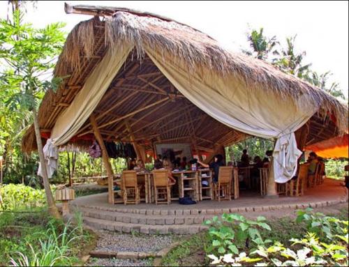 Столовая в школе на Бали