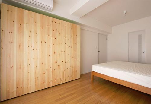 Подвижная стена отделяющая спальню от офиса