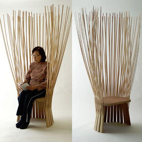 Бамбуковое кресло или деревянный стул с бамбуковой спинкой