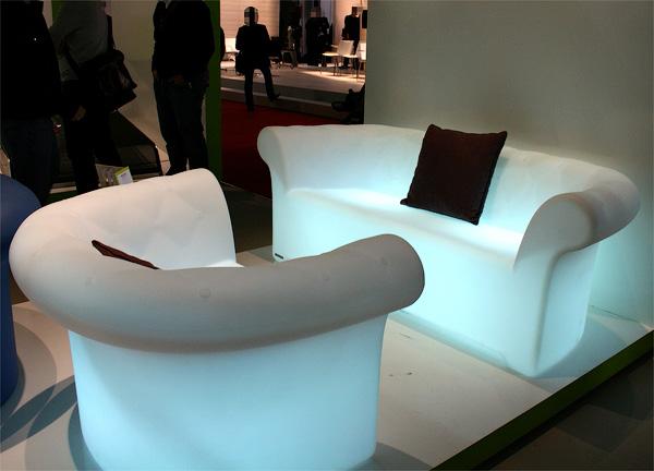Светящиеся изнутри кресла