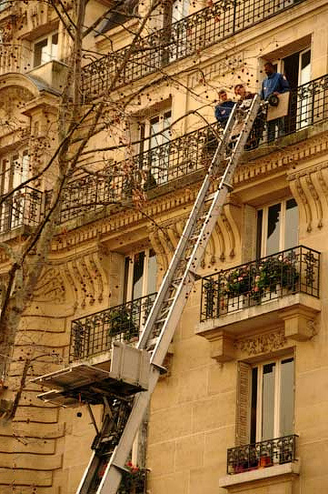 механизм для поднятия мебели через окно и балкон